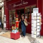 De speelgoedwinkel waar Rogier naar binnengaat.